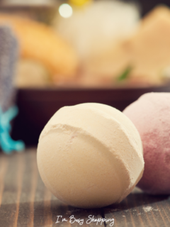 Bath Bombs with rings inside are extremely popular right now, especially now that Mother's day is just a few days away. Bath bombs are just so versatile — they can be a great gift for any kind of occasion. But the question is, which bath bomb should you choose?